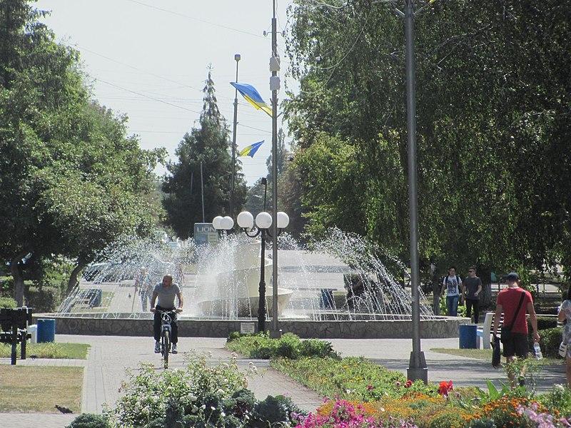 olexandria_-_sobornyi_square_fontain