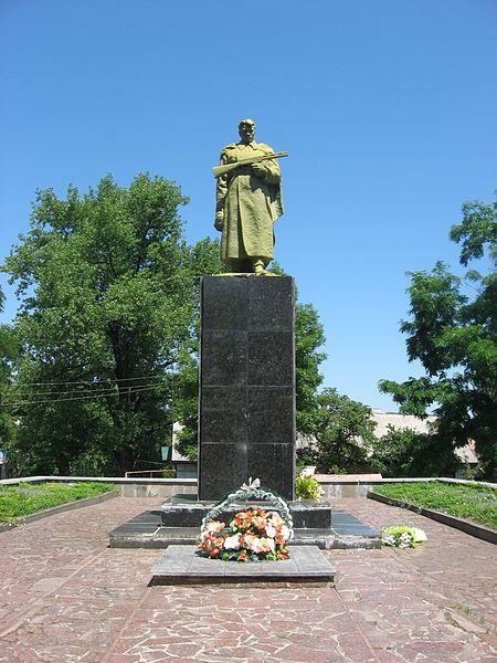 olexandriya_-_world_war_ii_common_grave